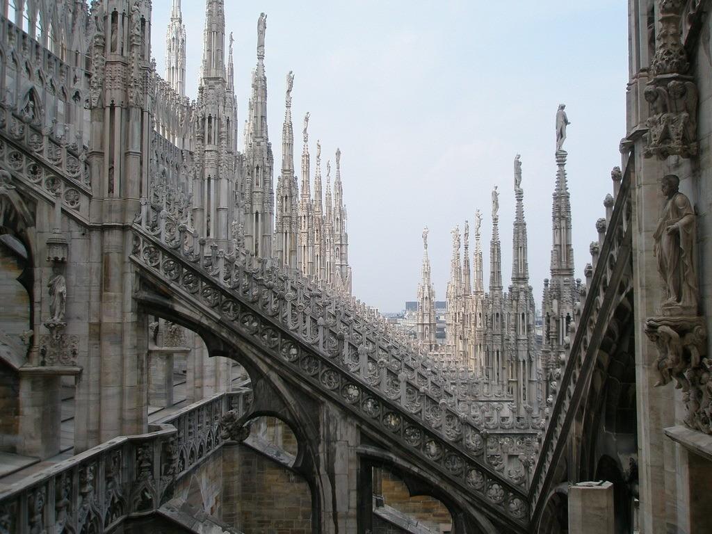 Стиль готика в архитектуре.