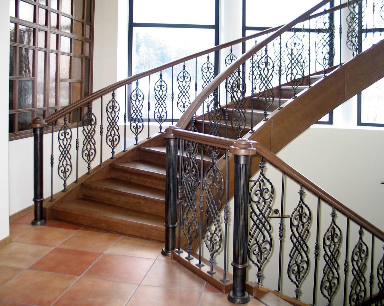 Перила для лестницы почему важна безопасность