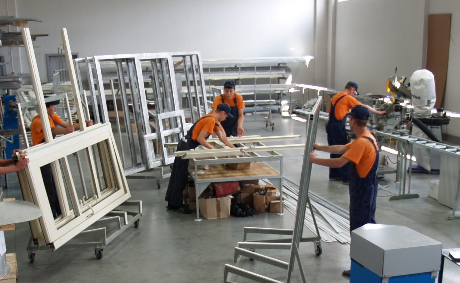 Процесс установки металлопластиковых окон