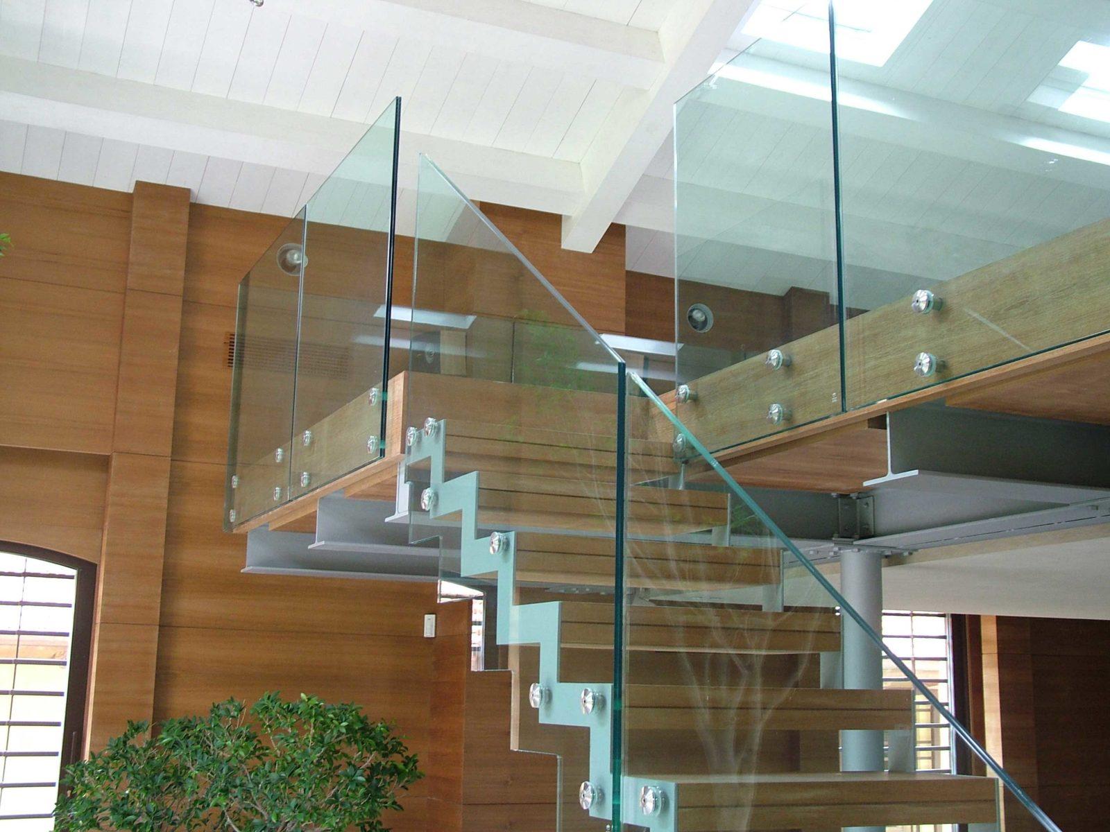 Разнообразие типов и видов лестниц