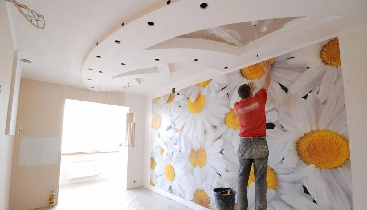 Комбинирование обоев при отделке стен