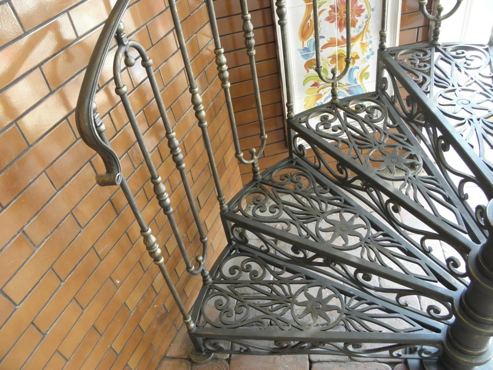 Расчет стоимости лестниц: влияние дизайна и материалов на конечную цену