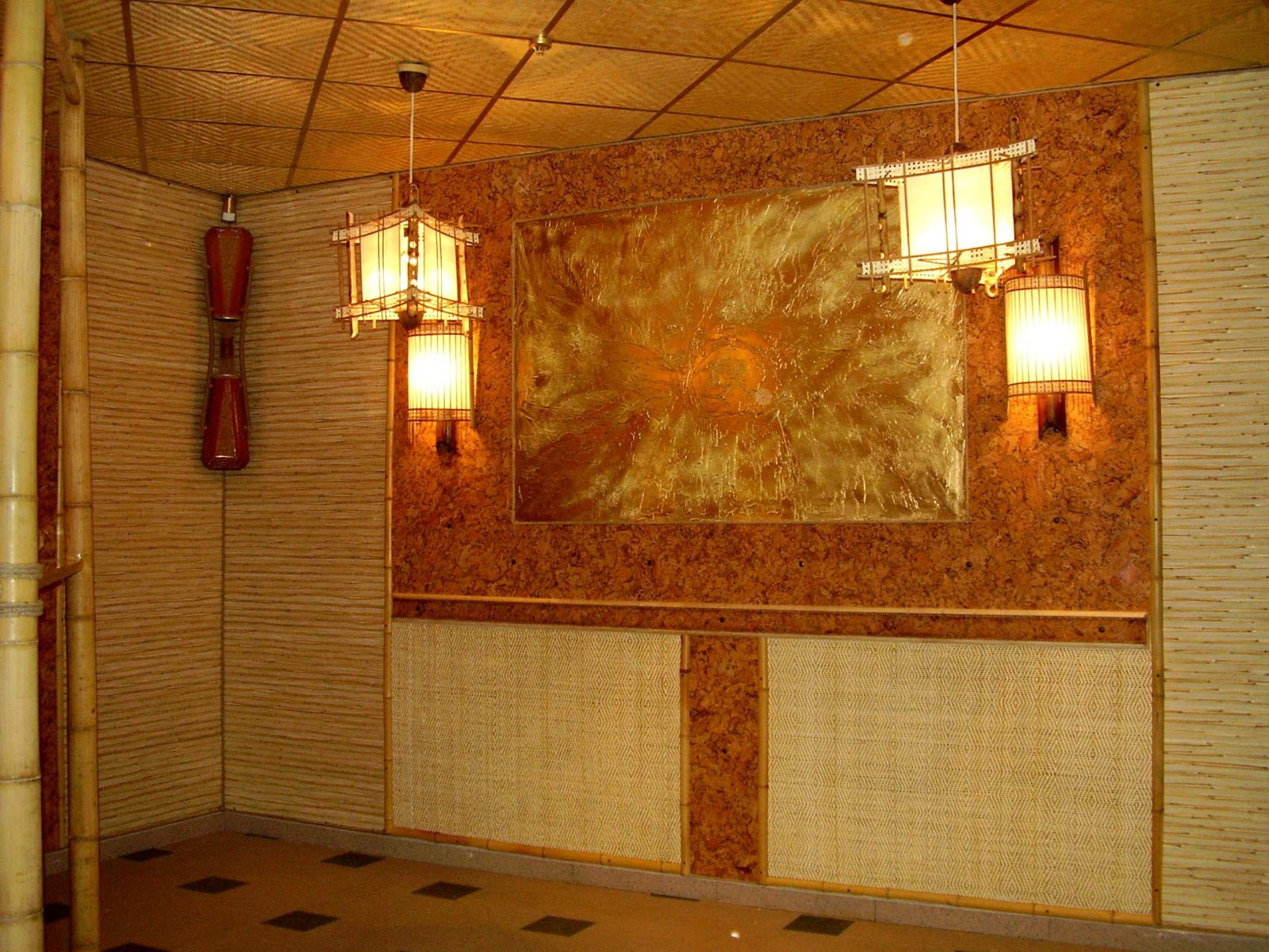 Светильник из бамбука