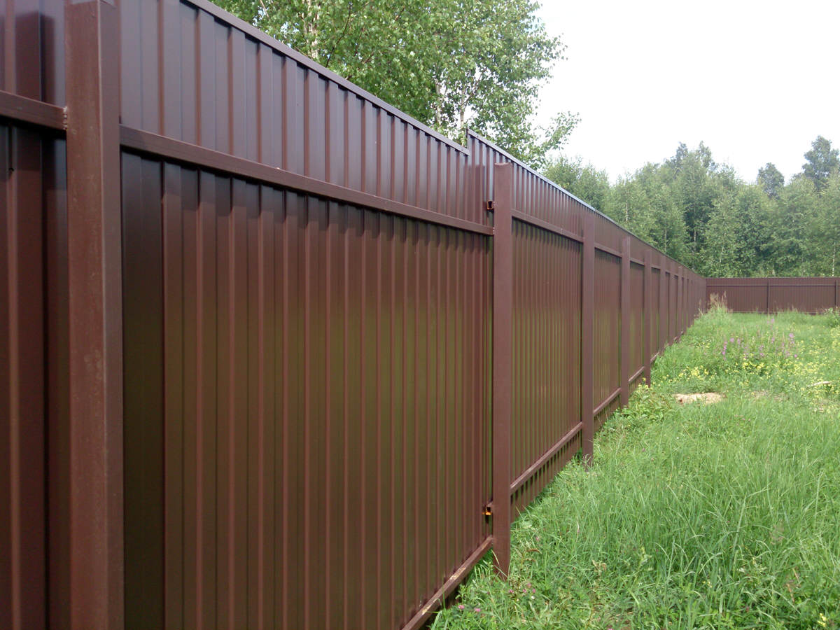 [:ua]будівництво паркану з профнастилу[:ru]строительство забора из профнастила[:]