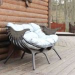 Чем красить деревянную мебель для сада