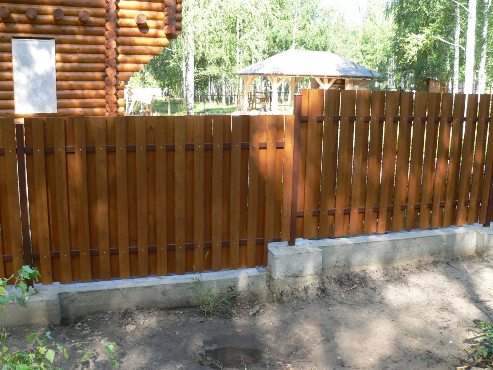 Деревянные заборы и ограждения для дома и дачи