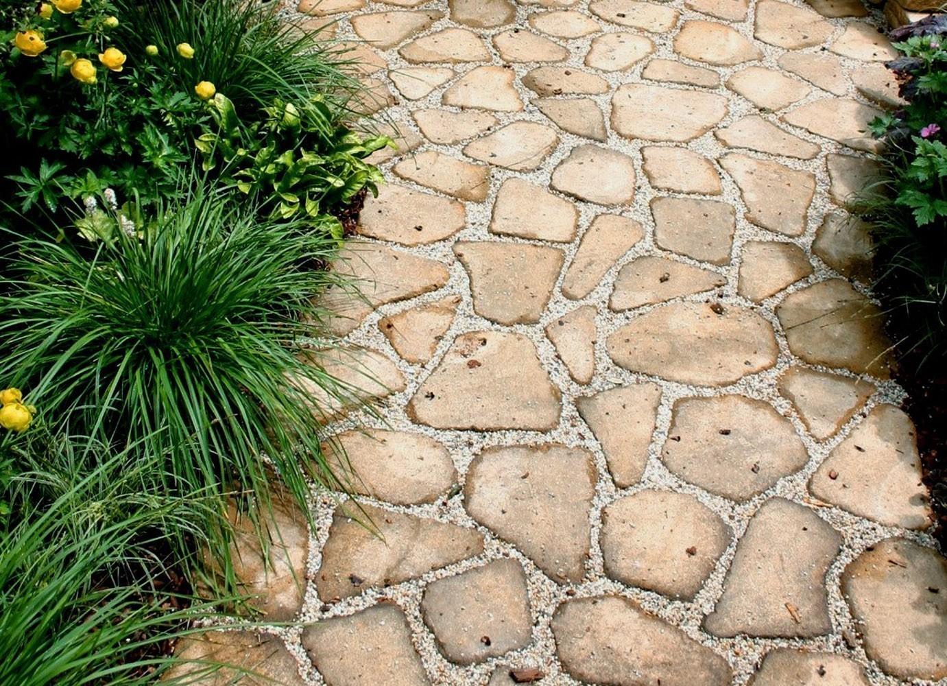 Двор из природного камня