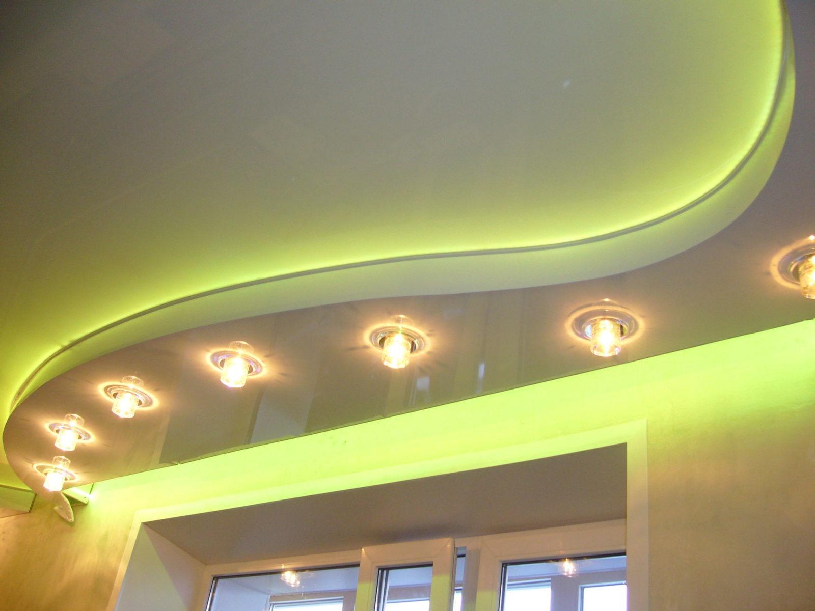 Преимущества подвесных потолочных конструкций