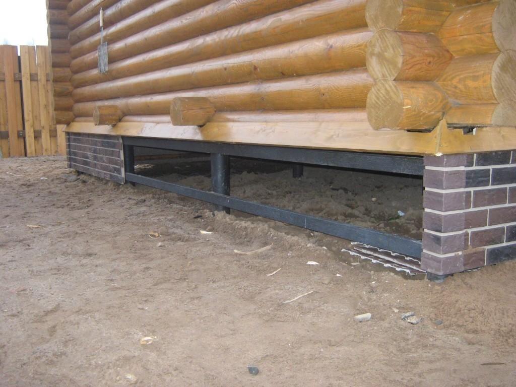 Фундамент на винтовых сваях для загородного дома