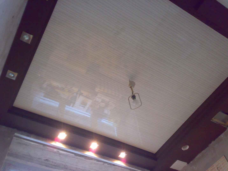 Пластиковые потолки на кухне