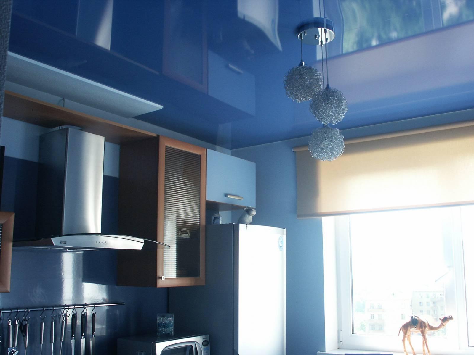 Подвесной потолок на кухне — как выбрать