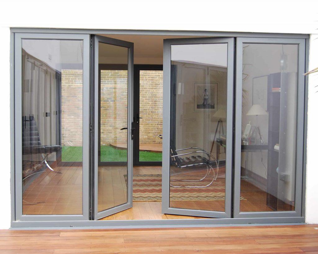 Возможность выбора стильных и практичных входных дверей
