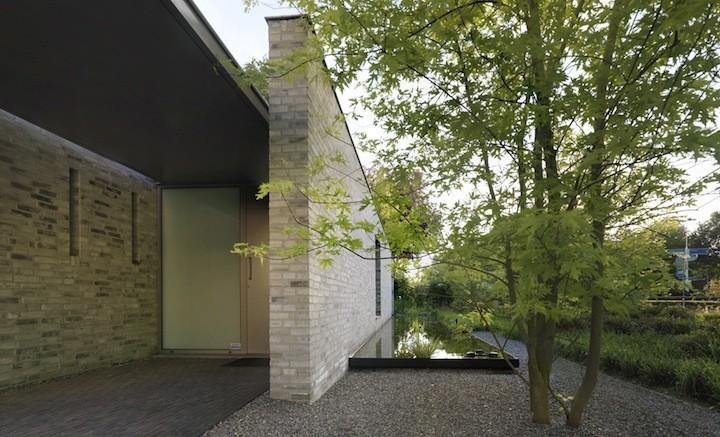 Частный дом из камня