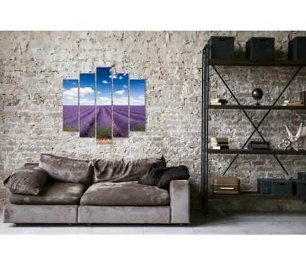 Интересные комбинации – над диваном